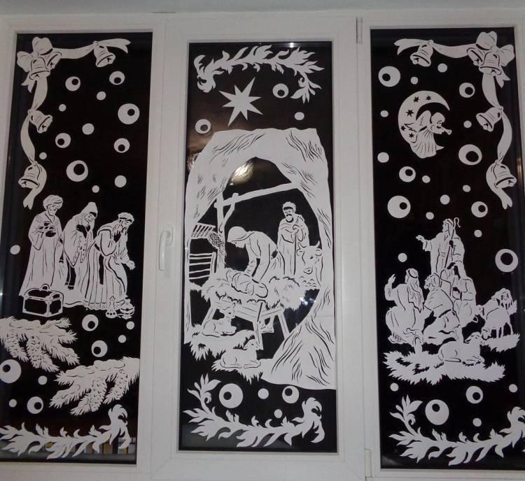 Как украсить окна к Новому Году? Композиции на окнах из снежинок и мультипликационных героев 1