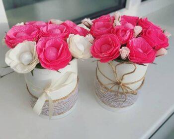 Цветы из гофробумаги. Милые цветочные композиции, украшение интерьера к празднику своими руками